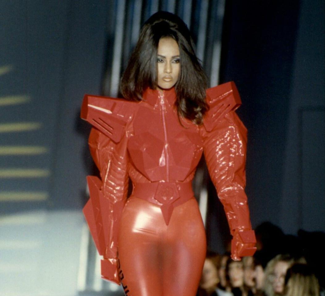 Ν.Υ., Ν.Υ.: Τρία υπέροχα street styles, το θρυλικό look της Iman και η Gigi Hadid (pics+video)