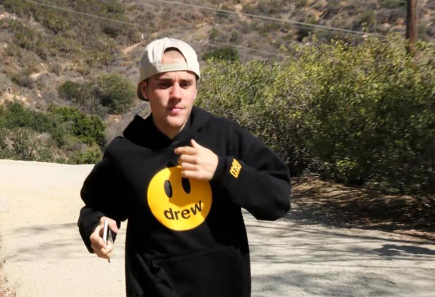 Τι είπες τώρα: ο Justin Bieber απέκτησε το δικό του fashion brand - εμπνεύστηκε απ' τα emojis (φωτογραφίες)