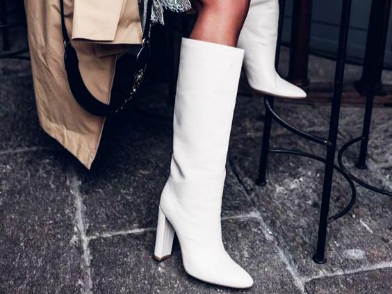 Μα πώς, επιτέλους, να συνδυάσω τις λευκές μπότες μου;