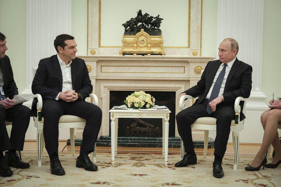 To μήνυμα Τσίπρα σε Πούτιν: «Η συμφωνία των Πρεσπών λύνει δίκαια το ονοματολογικό»