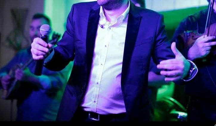 """Γνωστός Έλληνας τραγουδιστής δηλώνει: """"Απείλησαν τη ζωή μου, καταστράφηκε η καριέρα μου"""" (φωτογραφία)"""