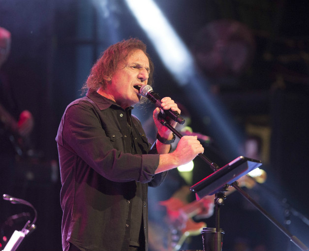 "Backstage με τον Έλληνα ""βασιλιά της ροκ"" Βασίλη Παπακωνσταντίνου (φωτογραφίες)"