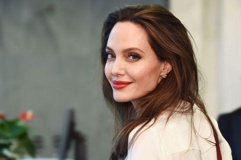 Ραδιοφωνική παραγωγός του BBC για μία ημέρα η Angelina Jolie