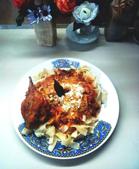 DIY: Μεθυστικό κοτόπουλο με σάλτσα μπίρας, σόγια, ξύσμα μανταρινιού, ελιές και πιπεριά