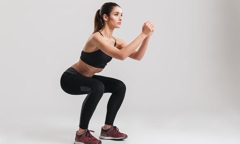 Squat: Η τέλεια άσκηση για ενδυνάμωση και ισορροπία
