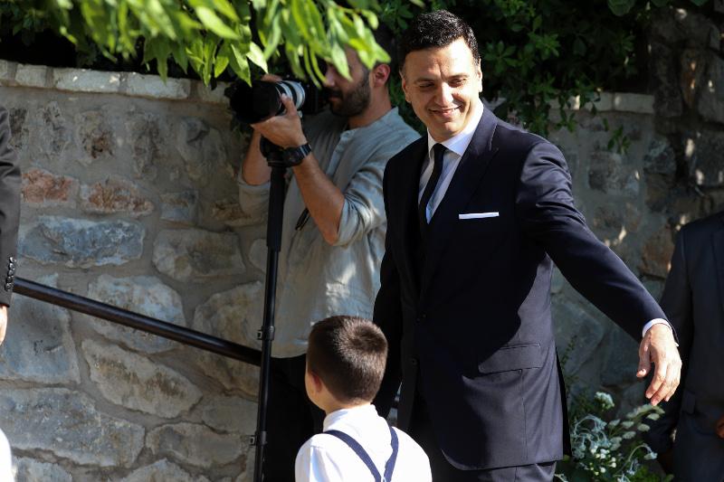 Ο Βασίλης Κικίλιας φτάνει στην εκκλησία για το γάμο του / Φωτογραφία: EUROKINISSI