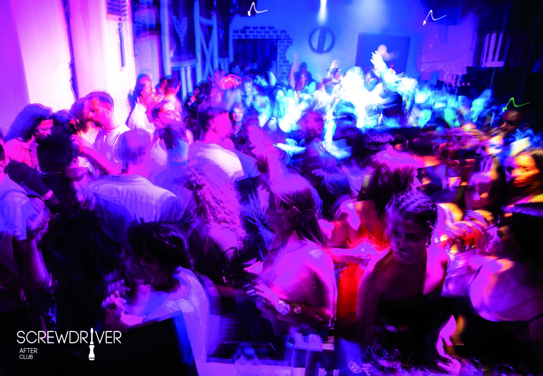Screwdriver night club