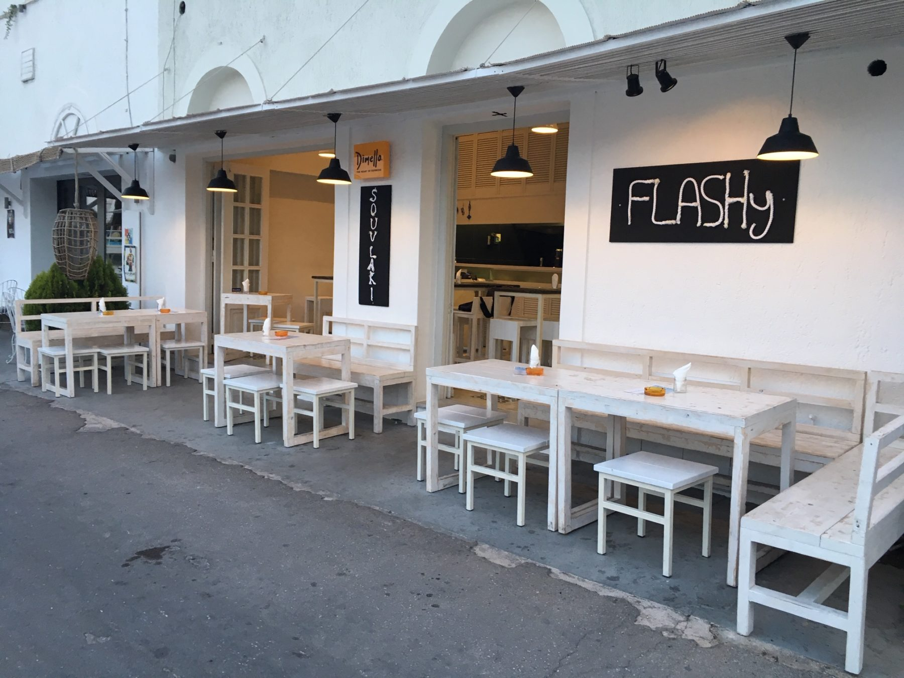 FLASHy Snack Bar – Grill House