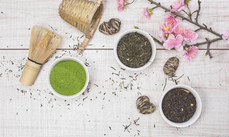 Aδυνάτισε τώρα: Να διαλέξω πράσινο ή μαύρο τσάι; Ποιο είναι το αποτελεσματικότερο;