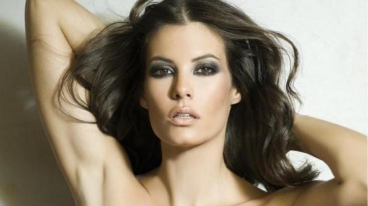 Αυτό είναι το πιο sexy chic outfit της Μαρίας Κορινθίου (φωτογραφία)