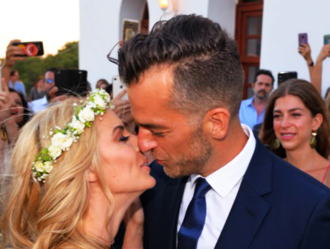 Kαι η MLV νυφούλα: Το φωτογραφικό άλμπουμ του γάμου της με τον Γιάννη Παπαγεωργίου