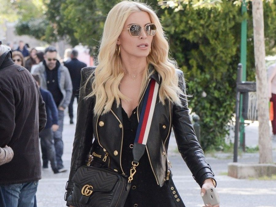 H καινούργια, πανάκριβη τσάντα της Καινούργιου είναι by Gucci (φωτογραφίες)