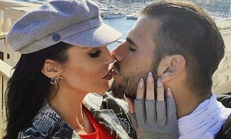 Θεοδωροπούλου-Ταχτσίδης: Γαμήλια επέτειος και τα πρώτα γενέθλια του μπέμπη τους (φωτογραφίες)