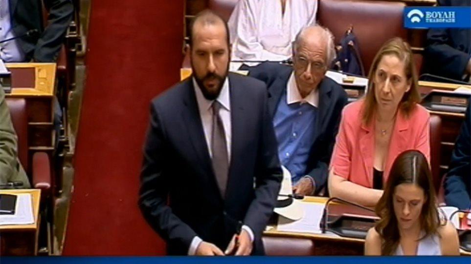 Τζανακόπουλος – Αχτσιόγλου: ένας μεγάλος έρωτας πλάι–πλάι στα κοινοβουλευτικά έδρανα