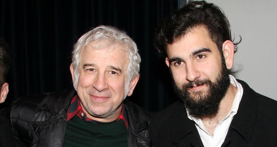 Πέτρος Φιλιππίδης: Ο ηθοποιός μοιράστηκε φωτογραφίες με τον γιο του Δημήτρη Φιλιππίδη από το χθες και το σήμερα