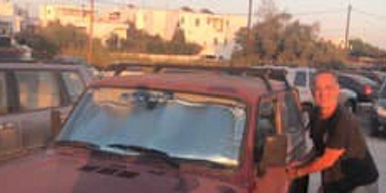 Ο Τομ Χανκς και το νέο του αυτοκίνητο για βόλτες στην Αντίπαρο