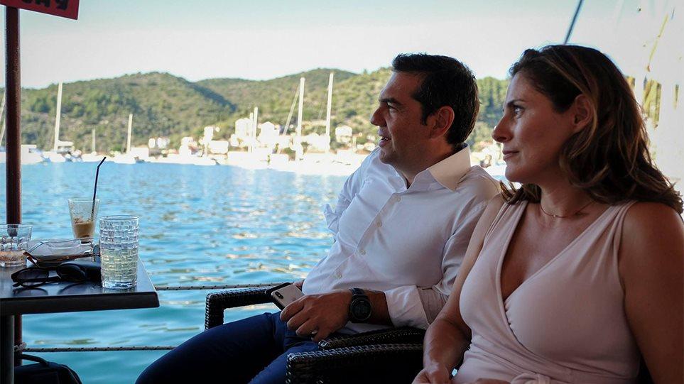 Ολιγοήμερες διακοπές στην Ισπανία για τον Αλέξη Τσίπρα και την οικογένειά του