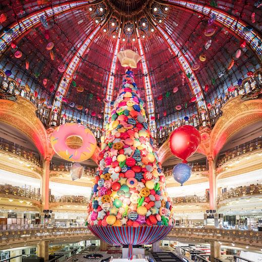 Galeries Lafayette: γιορτάζουν εντυπωσιακά τα Χριστούγεννα