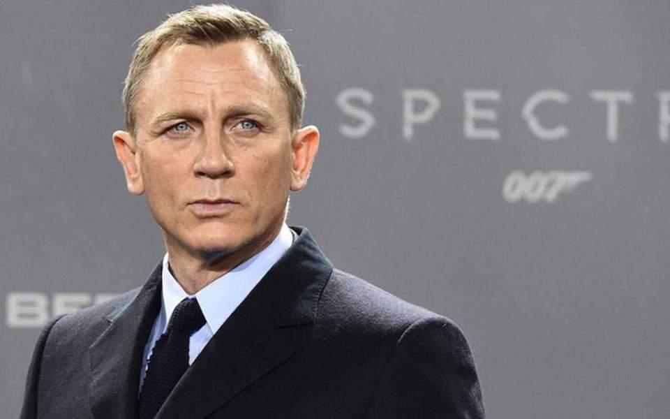 Ο Ντάνιελ Γκρέγκ με το νέο James Bond ρολόι
