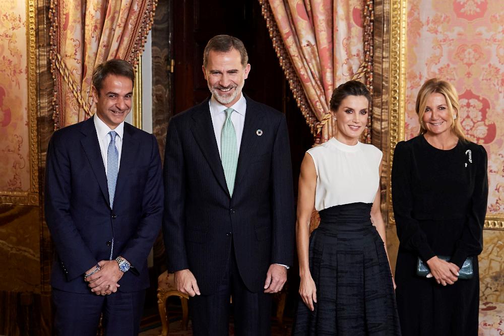 Ποζαραν με το βασιλικό ζεύγος της Ισπανίας ο έλληνας Πρωθυπουργός με την σύζηγο του