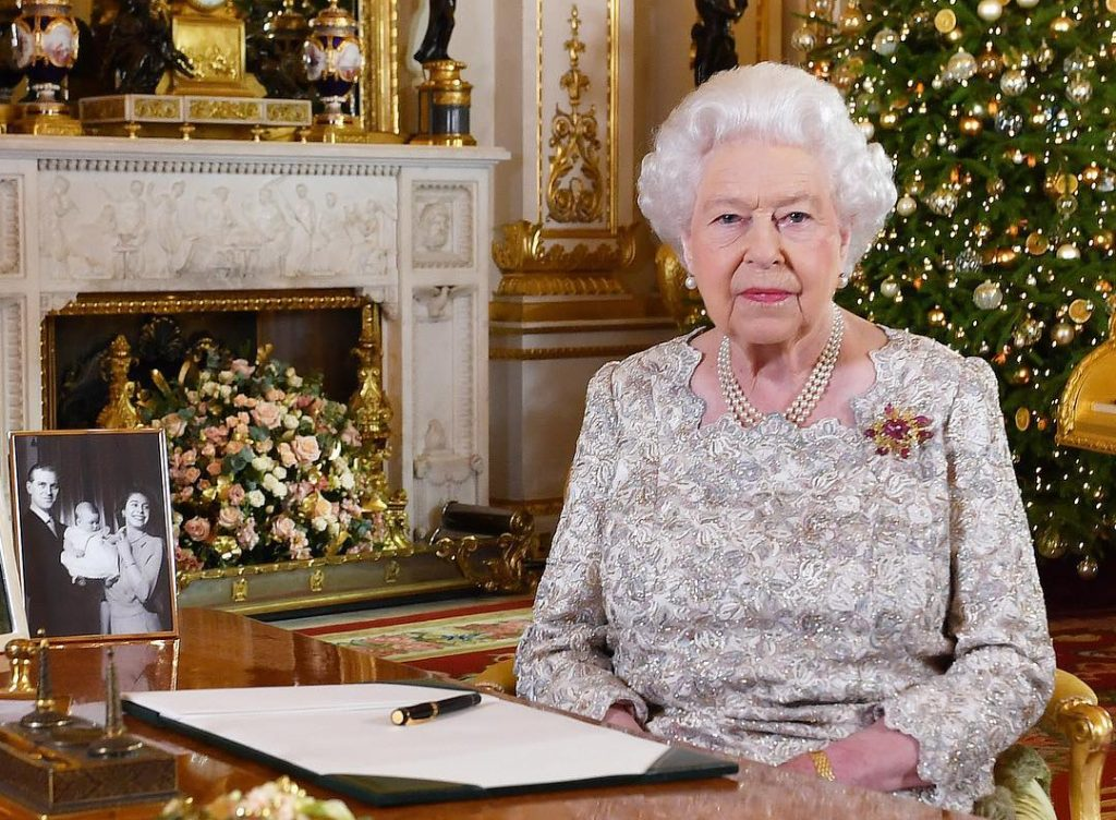 12 παραδόσεις της βρετανικής οικογένειας για τα Χριστούγεννα