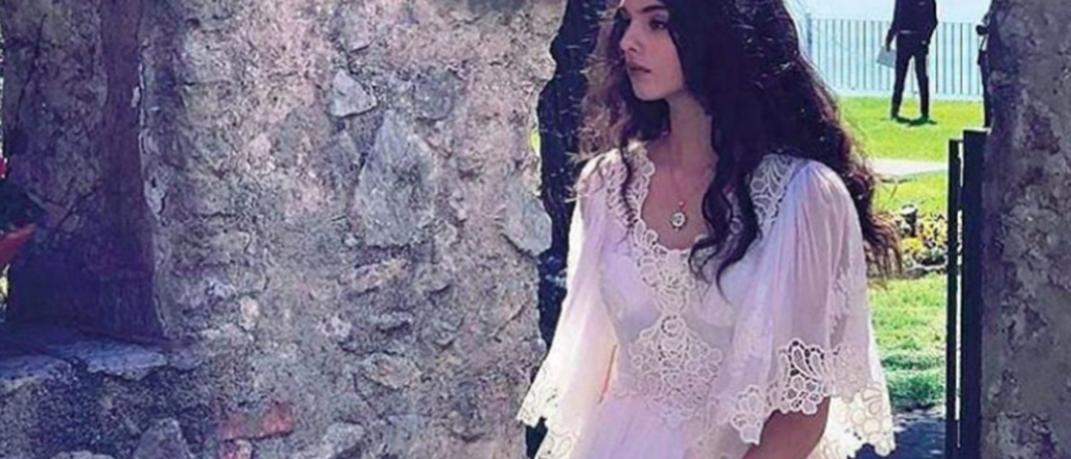Η κόρη της Μόνικα Μπελούτσι ποζάρει για τους Dolce & Gabbana