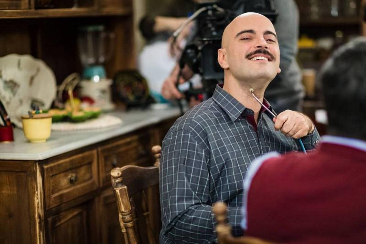 Λεωνίδας Μαράκης: «Ο Γιάννης Μπέζος με έκανε καλύτερο ηθοποιό και καλύτερο άνθρωπο»