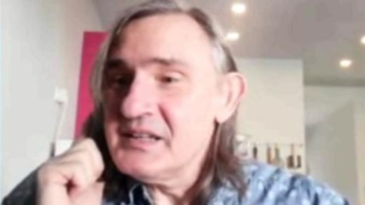 Η εξομολόγηση του Άκη Σακελλαρίου: «Μου λείπουν οι δικοί μου άνθρωποι»