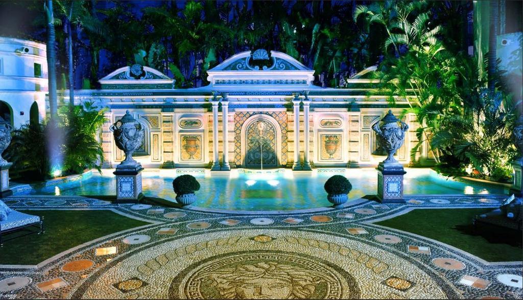 Διαβάστε στο CIAO: Στα άδυτα της Casa Casuarina του Gianni Versace