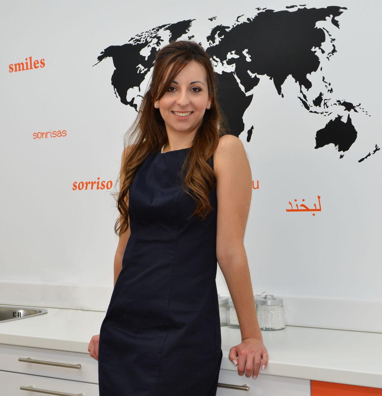 Αόρατη Ορθοδοντική: Με ποια μέθοδο θα ισιώσω τα δόντια μου;-Dr. Χριστίνα Μπουτσιούκη DDS, MSc Ειδικευθείσα στην Αισθητική Οδοντιατρική - Exclusive provider Six Month Smiles® στην Ελλάδα. Επιστημονικός Συνεργάτης & Διδάκτωρ της Πανεπιστημιακής Κλινικής Justus-Liebig, Giessen, Γερμανία. Διατηρεί ιδιωτικό ιατρείο στη Θεσσαλονίκη