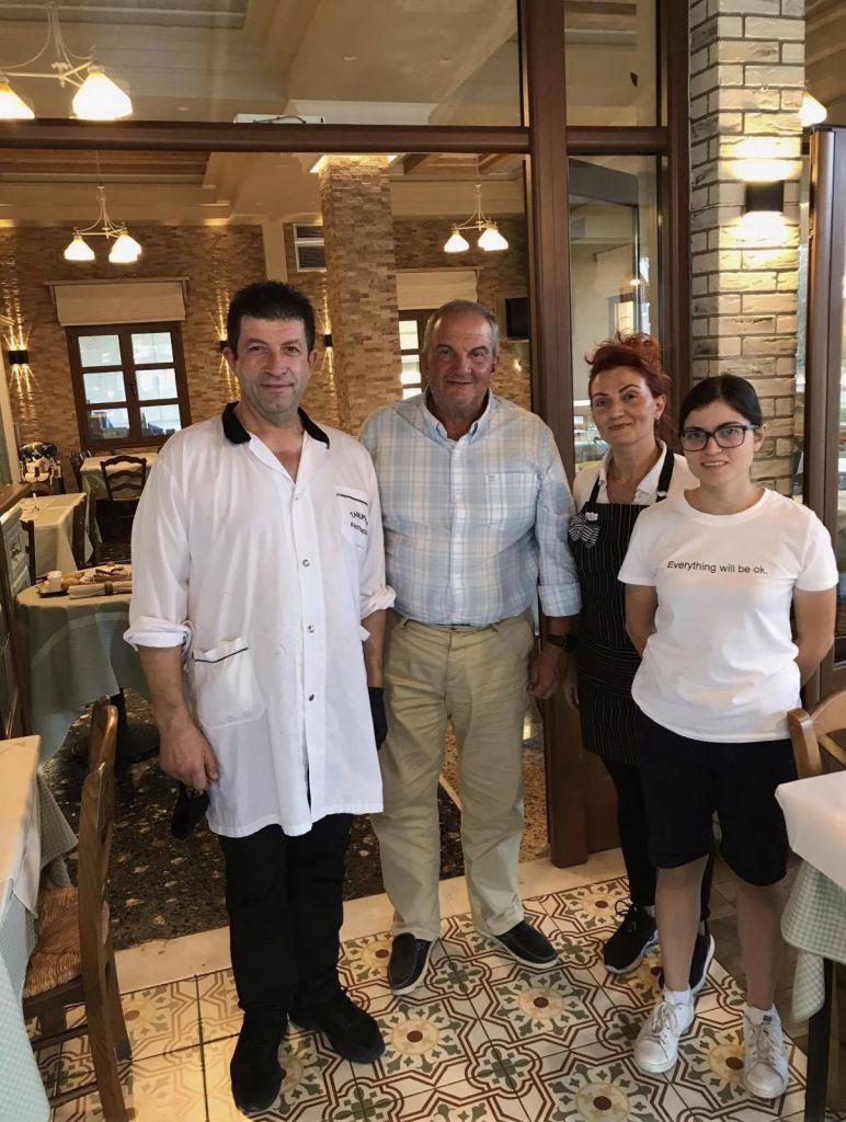 Η λατρεία του Κώστα Καραμανλή στην Ρουμελιώτικη κουζίνα