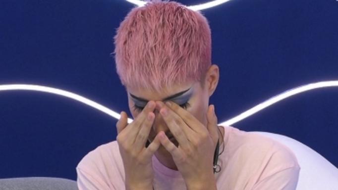 """Ο Θέμης Κανέλλος ξέσπασε σε κλάματα στο δωμάτιο του Big Brother!  """"Δεν μου μιλάνε οι γονείς μου"""""""