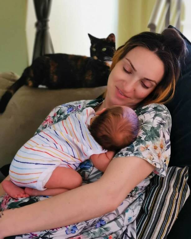 Η Μορφούλα Ντώνα γυμνάζεται μαζί με το μωρό της