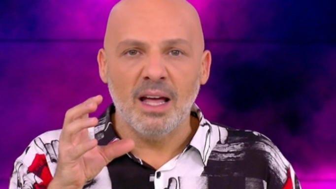 Νίκος Μουτσινάς για Bachelor: «Η ξεφτίλα από μόνη της»