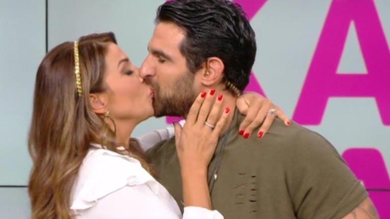 Χατζίδου - Παύλου: Με ενα παθιασμένο φιλί στο στόμα αποχαιρέτησαν το κοινό της εκπομπής τους