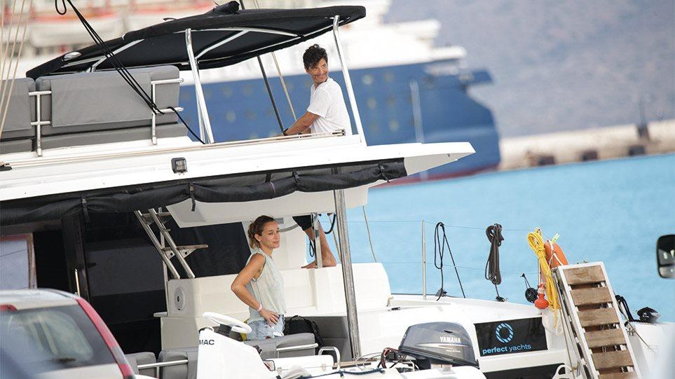 Ο.. «καπετάν Σάκης» και η οικογενειακή απόδραση με σκάφος πολυτελείας