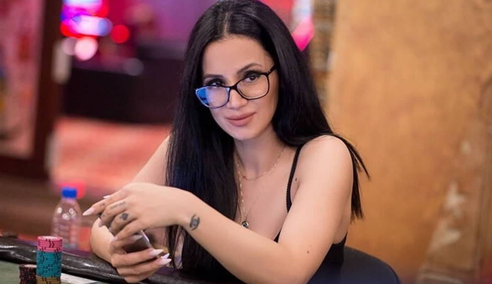 Big Brother: Η Χριστίνα Ορφανίδου απαντά για το ροζ βίντεο - «Δε θα σταματήσει η ζωή μου..»