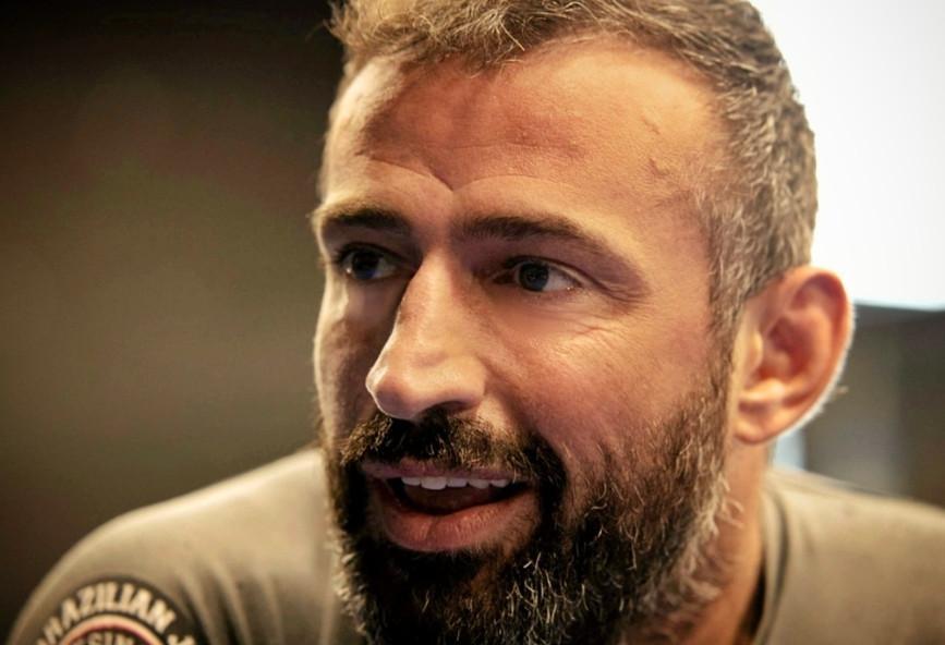 Γιώργος Κατσινόπουλος: θα γίνει κουμπάρος του Γιώργου Μαυρίδη με προϋποθέσεις