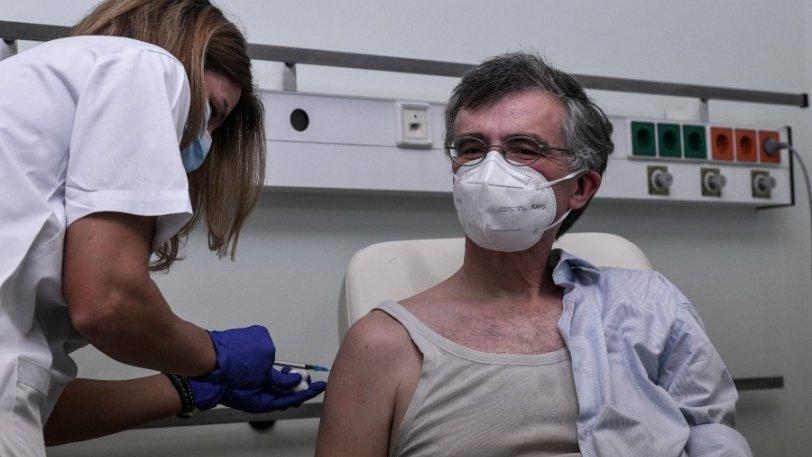 Σωτήρης Τσιόδρας: Η φωτογραφία - απάντηση στις φήμες που τον θέλουν άρρωστο μετά το εμβόλιο του κορονοϊού