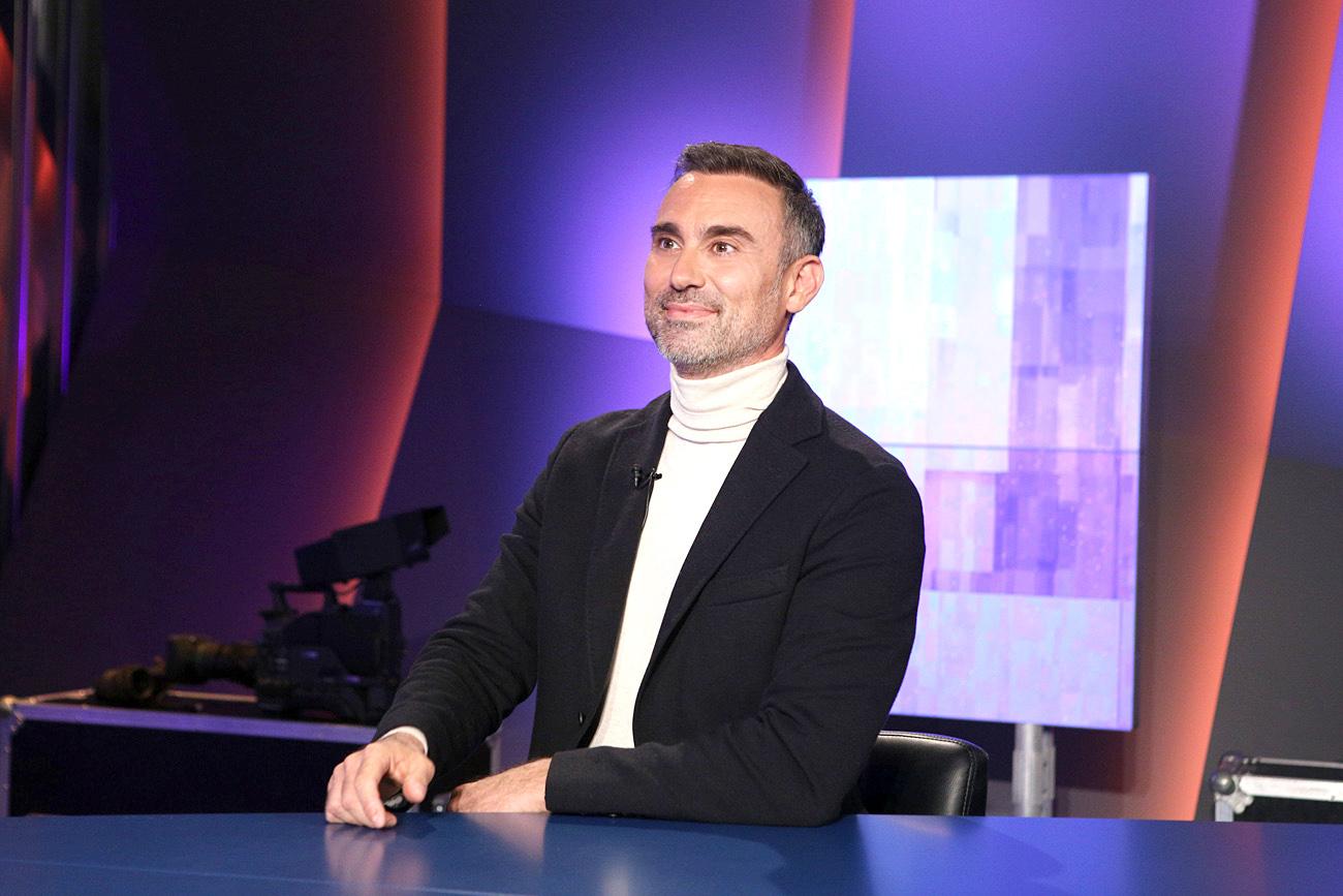 Ο Γιώργος Καπουτζίδης, σε μια ανατρεπτική συζήτηση,  στην εκπομπή «Αυτός και ο άλλος»