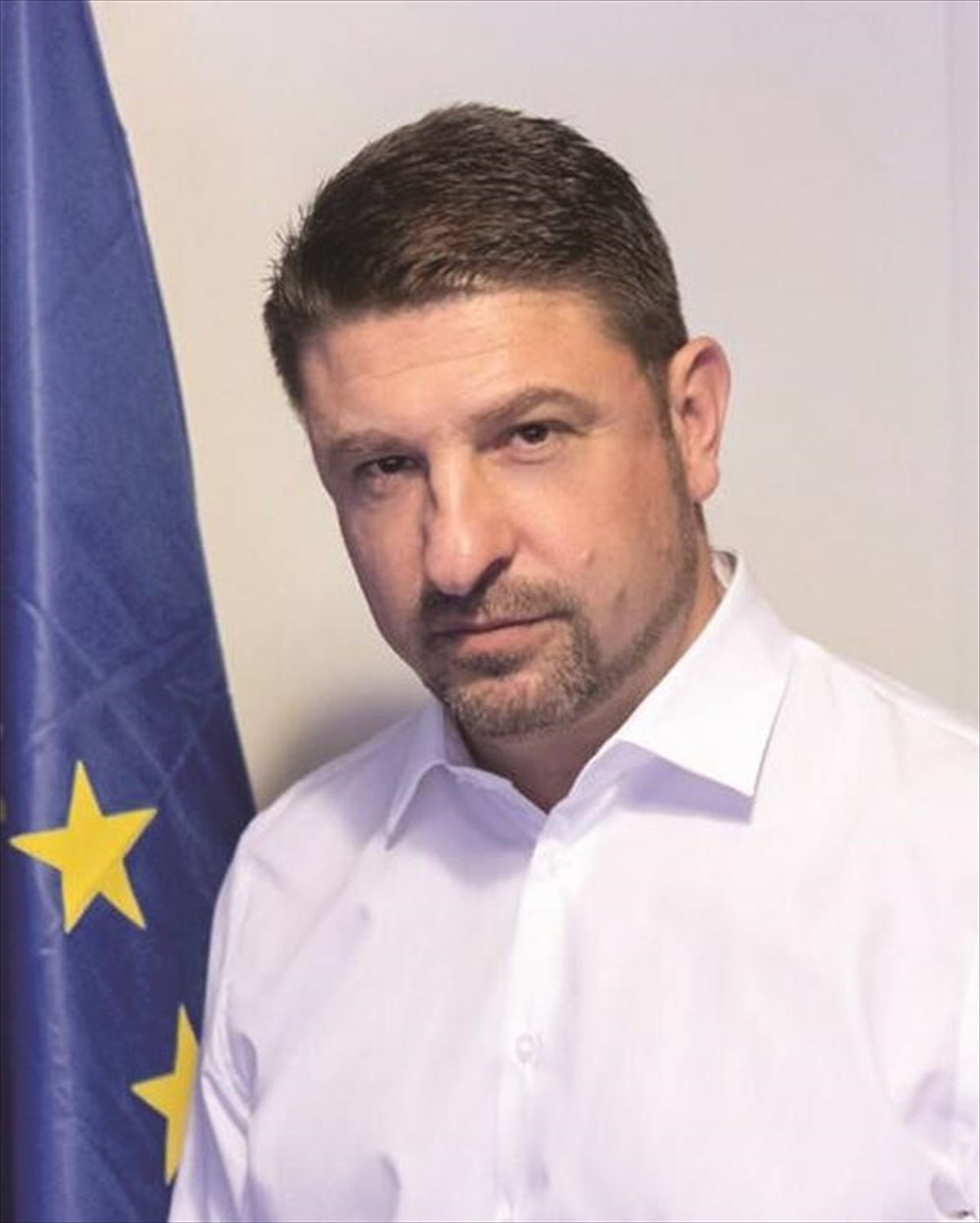 Ενώπιος Ενωπίω: ο Νίκος Χαρδαλιάς αποκαλύπτεται στον Νίκο Χατζηνικολάου