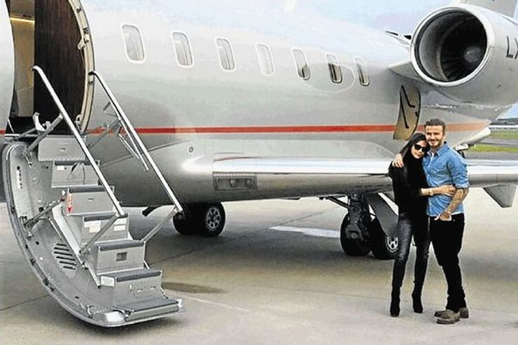 Ντέιβιντ και Βικτώρια Μπέκαμ: «πέταξαν» στο Μαϊάμι, στο σπίτι της Νίκολα Πελτζ παραβιάζοντας το lockdown