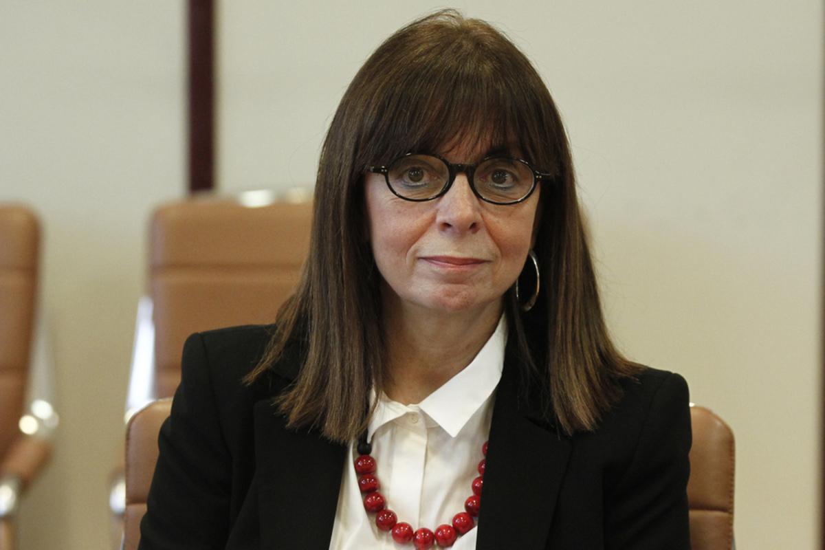 Κατερίνα Σακελλαροπούλου σε Σπύρο Μπιμπίλα: Κέρδος για το θέατρο η αποτίναξη του φόβου