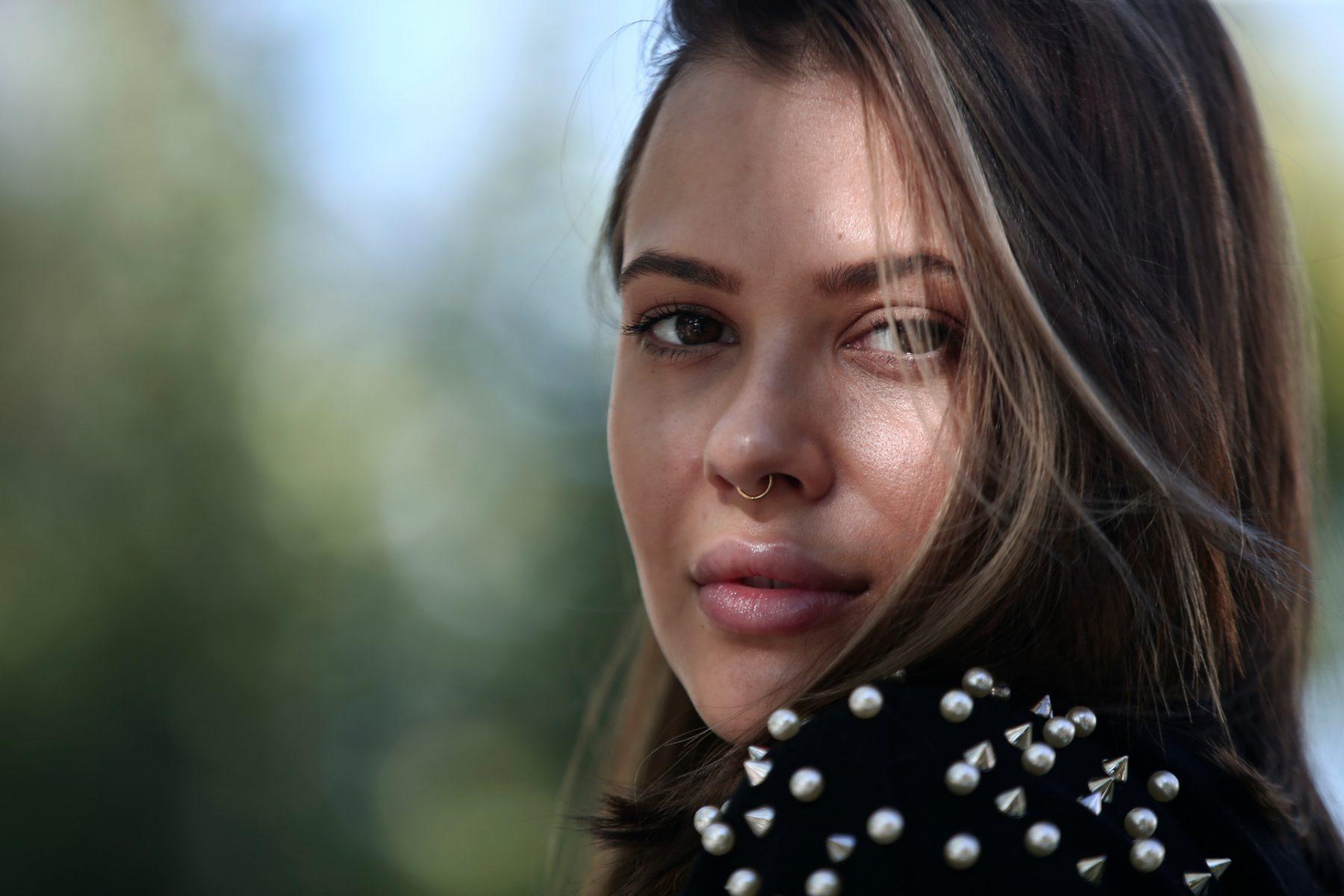 Λάουρα Νάργες: αυτή είναι η κούκλα αδερφή της παρουσιάστριας (φωτογραφίες)