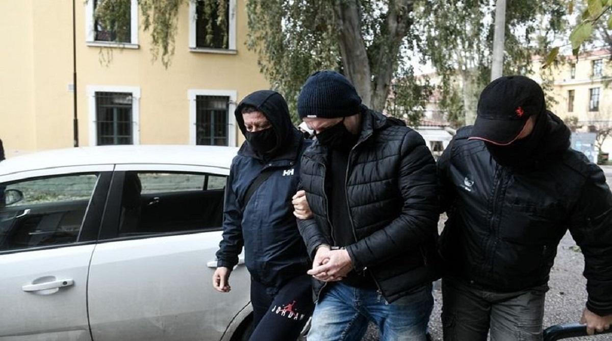 Υπόθεση Λιγνάδη: μήνυση κατά των δύο καταγγελλόντων θα καταθέσει ο Αλέξης Κούγιας - «Ευπρόσδεκτες οι μηνύσεις, θα απαντήσουμε στη δικαιοσύνη» λέει ο Γιάννης Βλάχος (βίντεο)