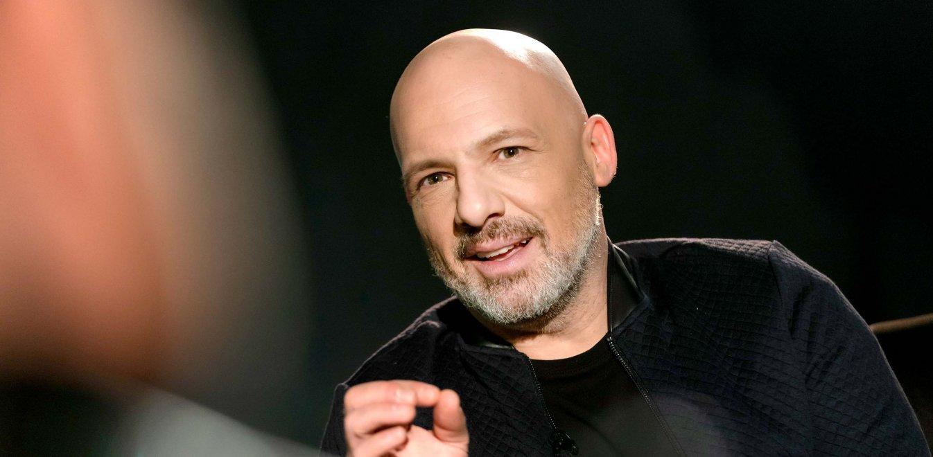 Νίκος Μουτσινάς: αυτή είναι η πρόταση του ΣΚΑΪ για τον παρουσιαστή! Οι επαφές με τα άλλα κανάλια