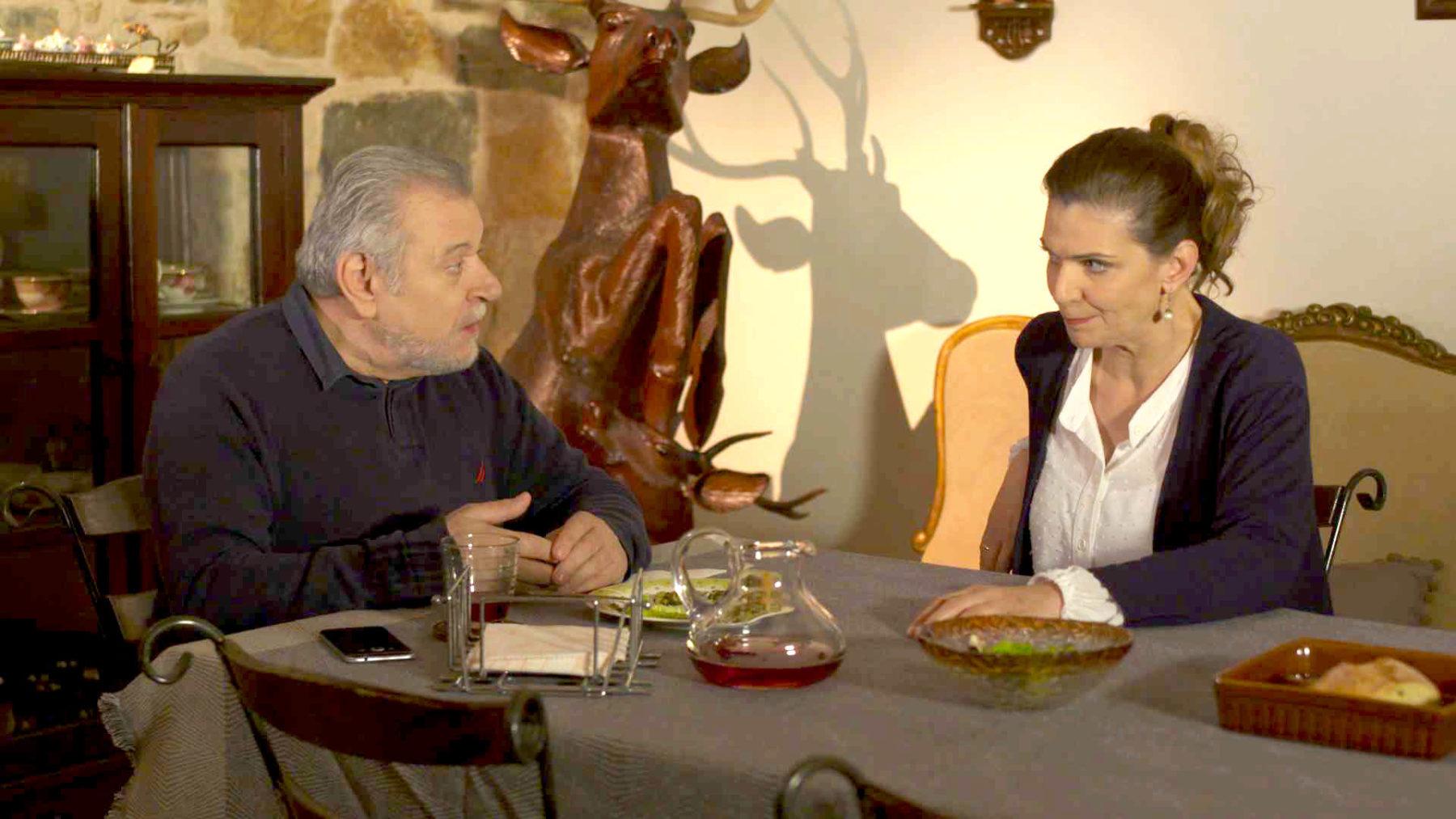 Χαιρετα μου τον Πλάτανο: Η Πάολα φέρνει σόκ σε Κατερίνα και Παναγή