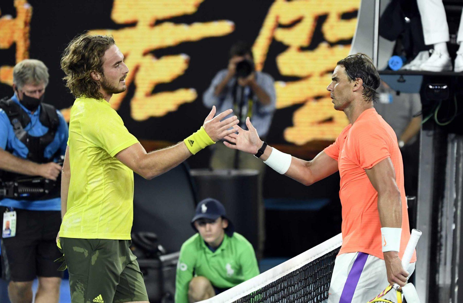 Σπουδαία νίκη του Τσιτσιπά χαμόγελα για τους Έλληνες που βρέθηκαν στο Australian Open
