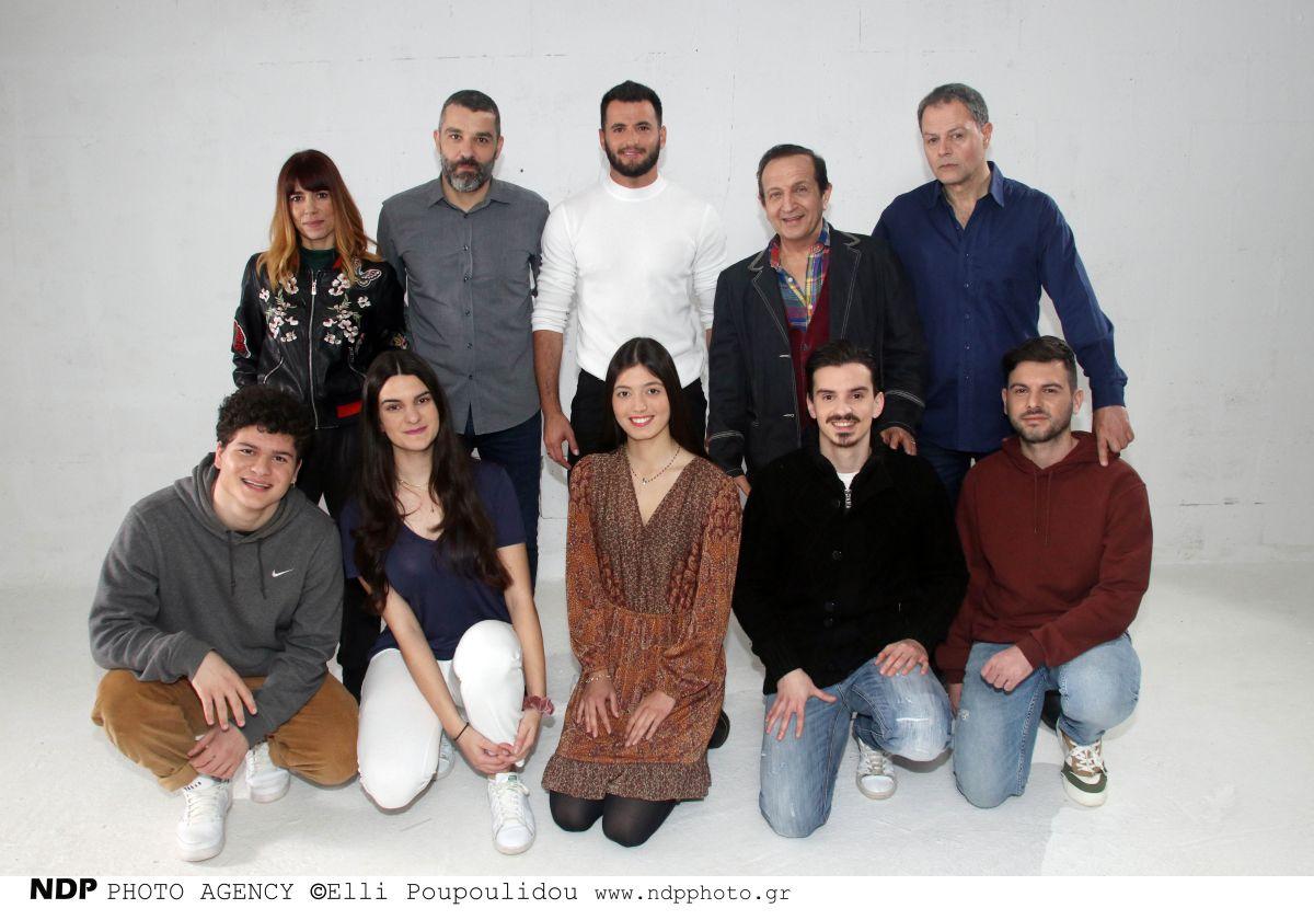Μάνος Τάκος: το τραγούδι του «Μίλα» είναι αφιερωμένο στο ελληνικό #metoo