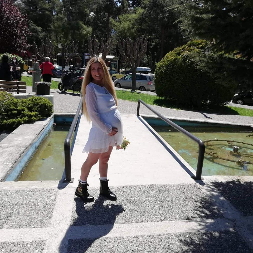 Βαλεντίνη Ράντη: ανέβηκε τα σκαλιά του Δημαρχείου λίγο πριν γεννήσει